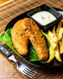 Vegan-ZeaStar-Lekkerbeck-_-Fish-and-Chips-min-1-819x1024