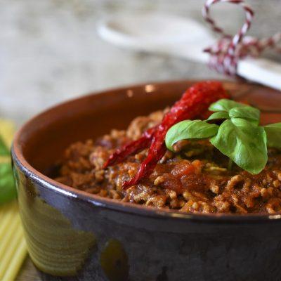 bolognese, meat sauce, macaroni-4980807.jpg